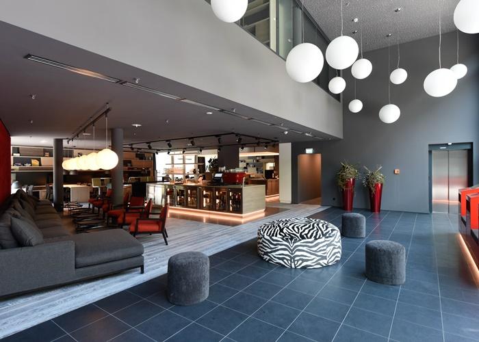 derag-livinghotels_neu-frankfurt-sachsenhausen-livingroom-b