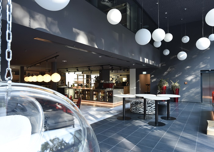 derag-livinghotels_neu-frankfurt-sachsenhausen_livingroom-a